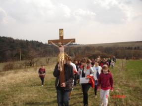 Křížová cesta 5.4. v Pobuči 092