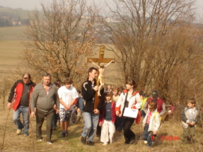 Křížová cesta 5.4. v Pobuči 103